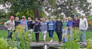 Macoun garden team